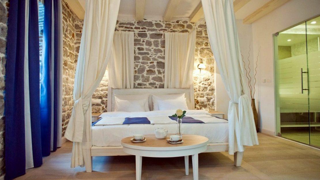 small hotel bay herceg novi
