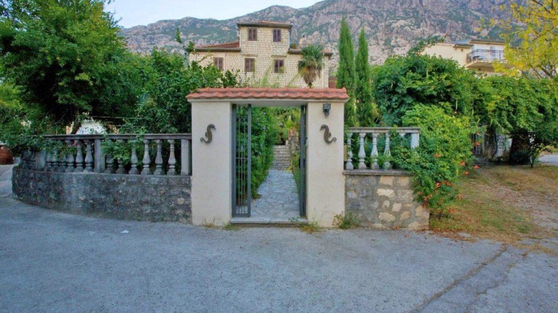 stone house dobrota kotor