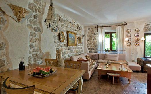 Villa , Dobrota