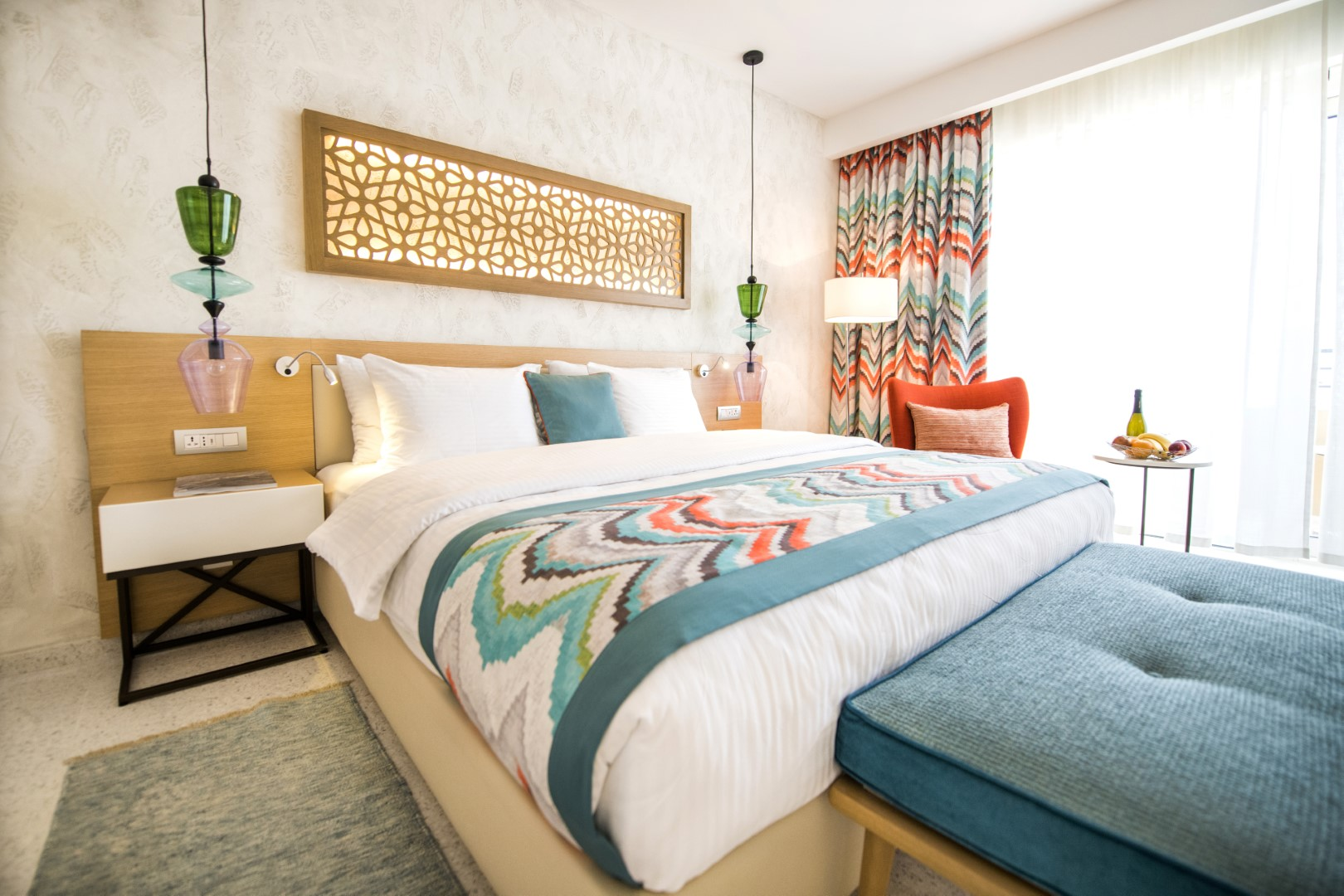 bed lustica bay
