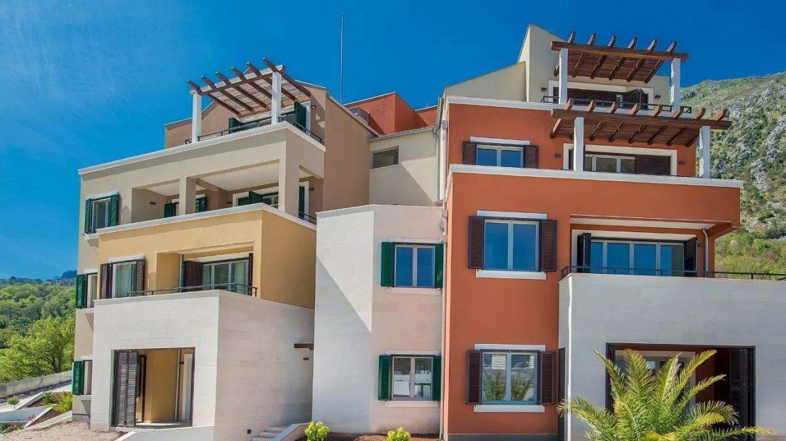 one bedroom apartment complex bay