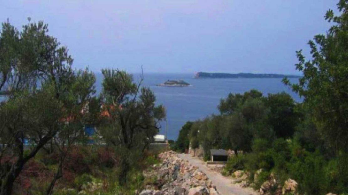 development land lustica peninsula