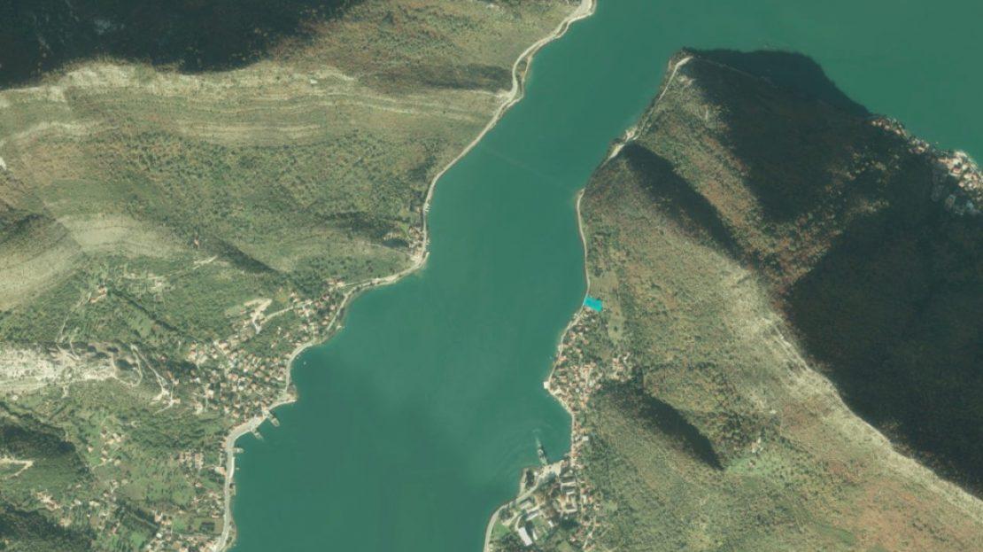 plot first sea line bay