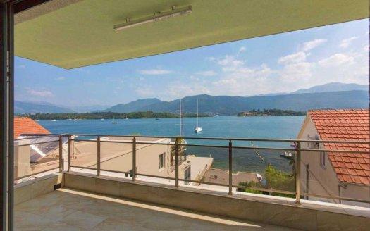 seafront villa lustica