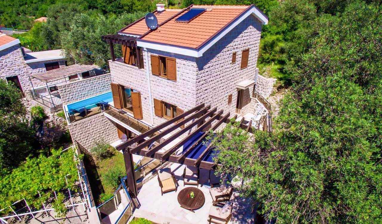 budva rezevici house pool