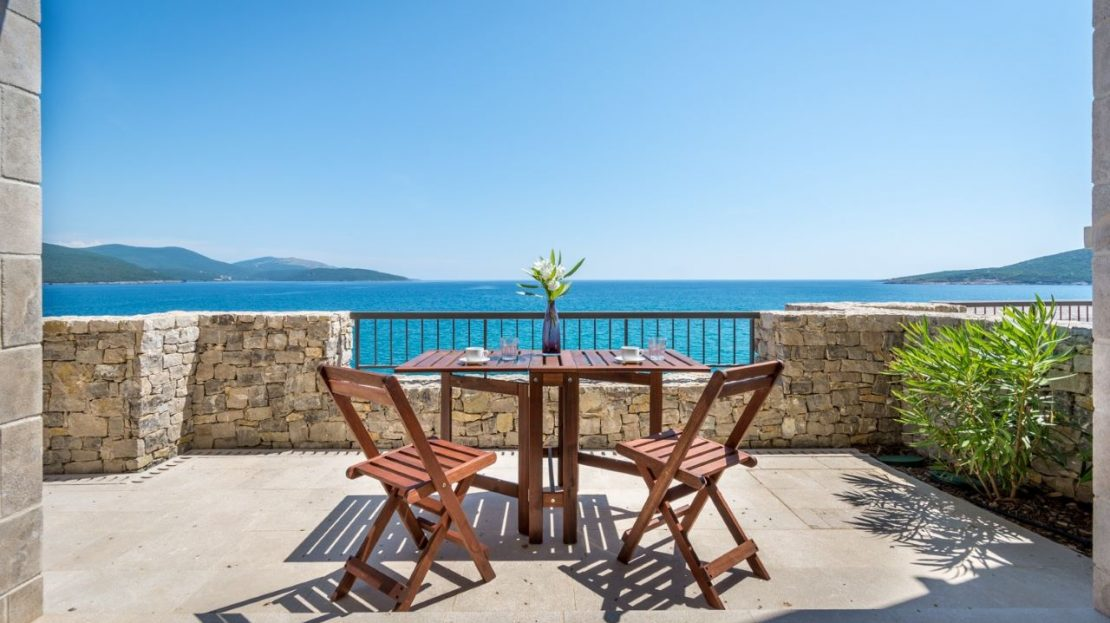 lustica bay prices apartments