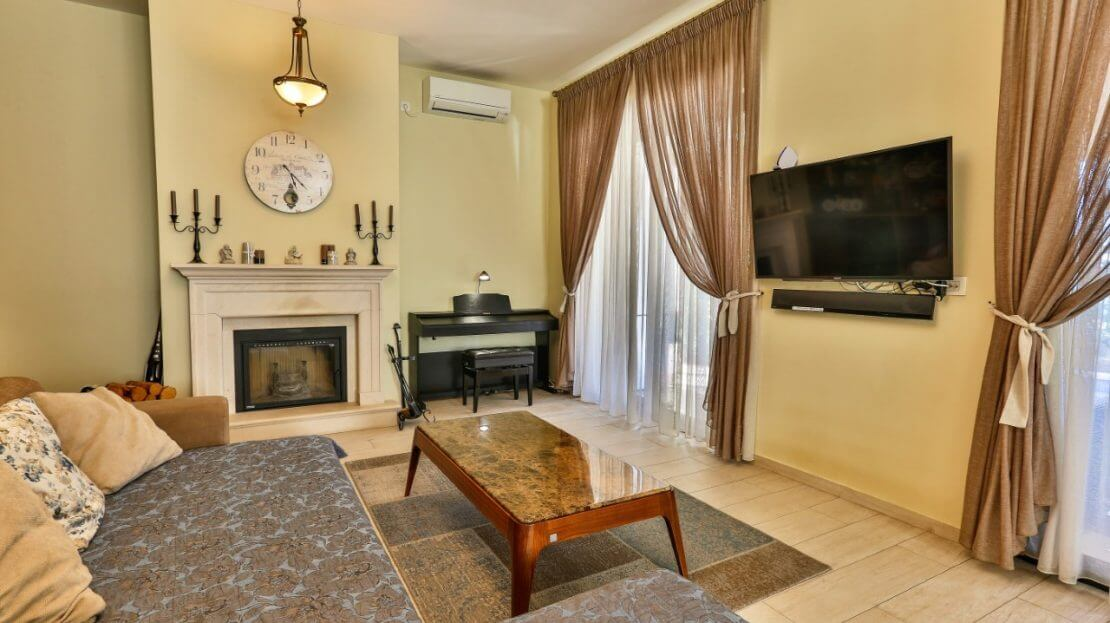 buy villa in tivat with pool