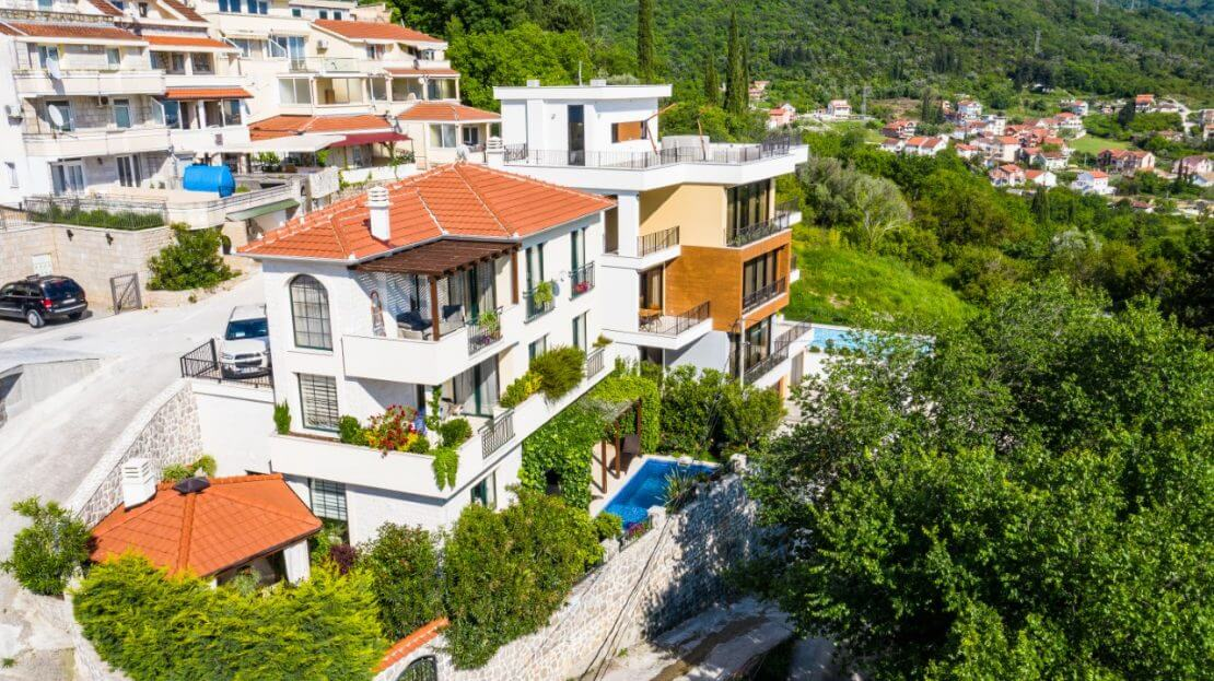 villa in tivat with pool