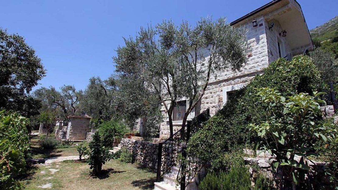 stone villa budva surroundings