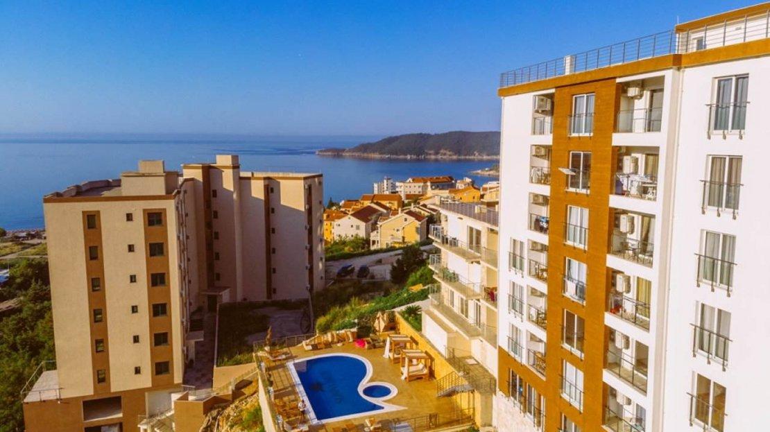 budva apartment complex with amenities