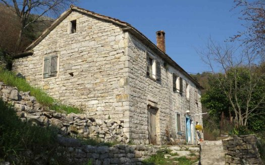 каменный дом под ремонт черногория
