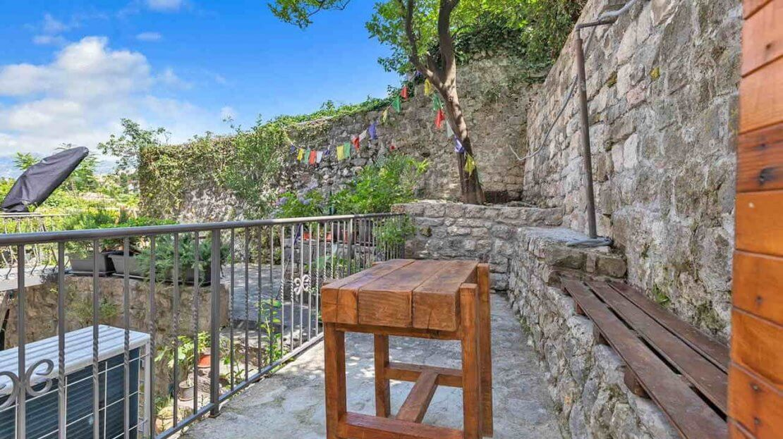 kotor old town house for rental business